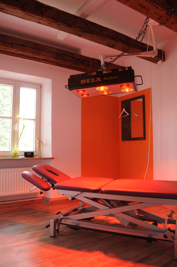 Pysiotherapie Krankengymnastik   Physio Pfersee im Schloss
